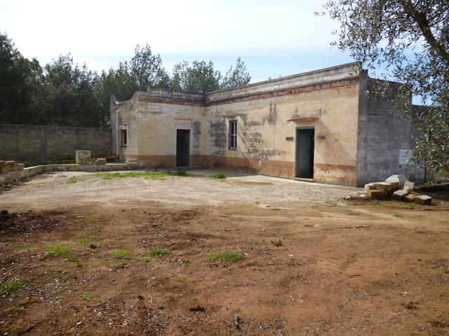Casa di campagna da ristrutturare vendita con terreno oria - Ristrutturare casa campagna ...