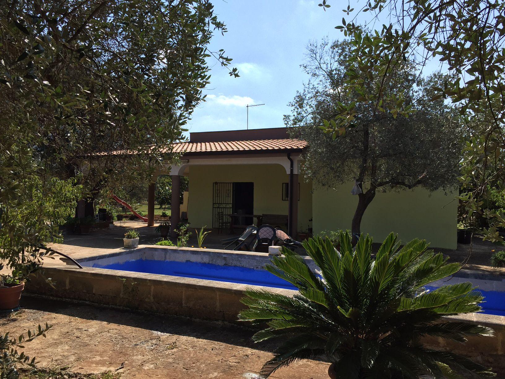 Villa in vendita francavilla fontana uliveto e piscina - Ville in vendita con piscina ...