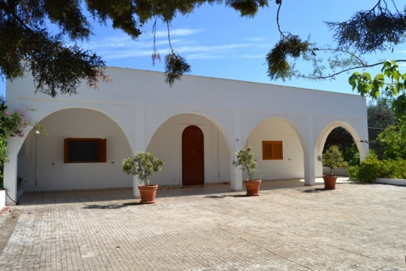 Villa in vendita in Puglia con piscina