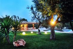 villa in vendita in puglia con piscina, ceglie messapica