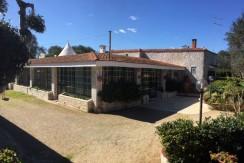Villa in vendita a Francavilla Fontana con trullo e garage