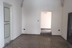 Locale commerciale affitto Francavilla Fontana, 2 vani e servizi