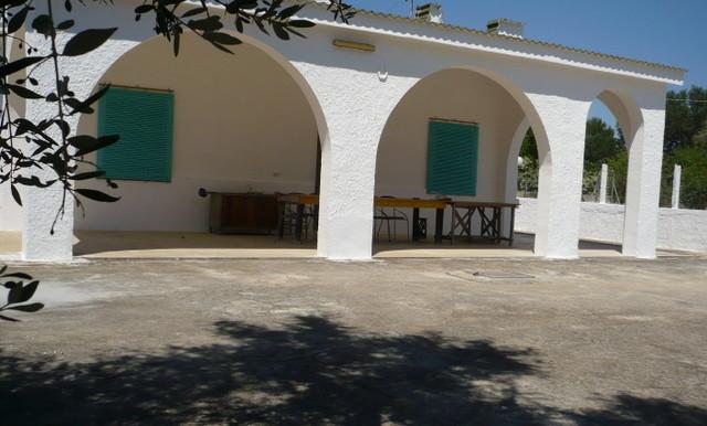 Villa in vendita a Francavilla Fontana, da 4 vani e servizi