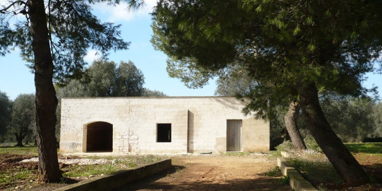 stone building in puglia