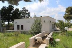 Trulli e villa in vendita in Puglia a Martina Franca con piscina