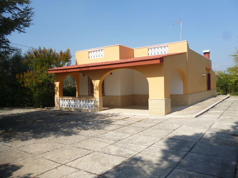Casa di campagna in vendita in Puglia, con giardino di pertinenza