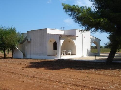 Villa in campagna in vendita San Vito dei Normanni, Puglia, con piscina