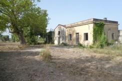 Oria Puglia casolare in vendita con uliveto