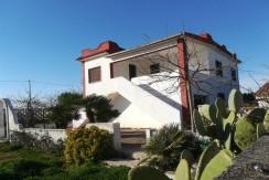 Villa in vendita a Marina di Lizzano, a breve distanza dal mare