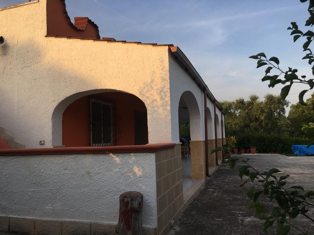 Villa in vendita abitabile subito, con terreno