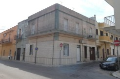 Appartamento primo piano vendita Francavilla Fontana, ad angolo