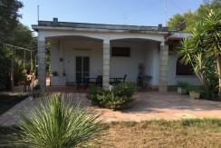 Villa vendita Francavilla Fontana con giardino ornamentale