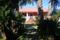 Villa in vendita ad Oria con giardino e piscina