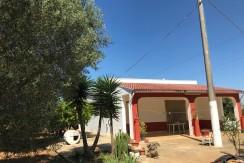 Casa di campagna in vendita ad Oria, con frutteto e uliveto
