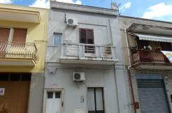 Appartamento indipendente vendita Francavilla Fontana, primo piano, 3 vani e servizi