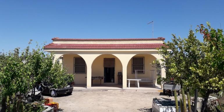 Casa di campagna in vendita a Francavilla Fontana, con uliveto e vigneto