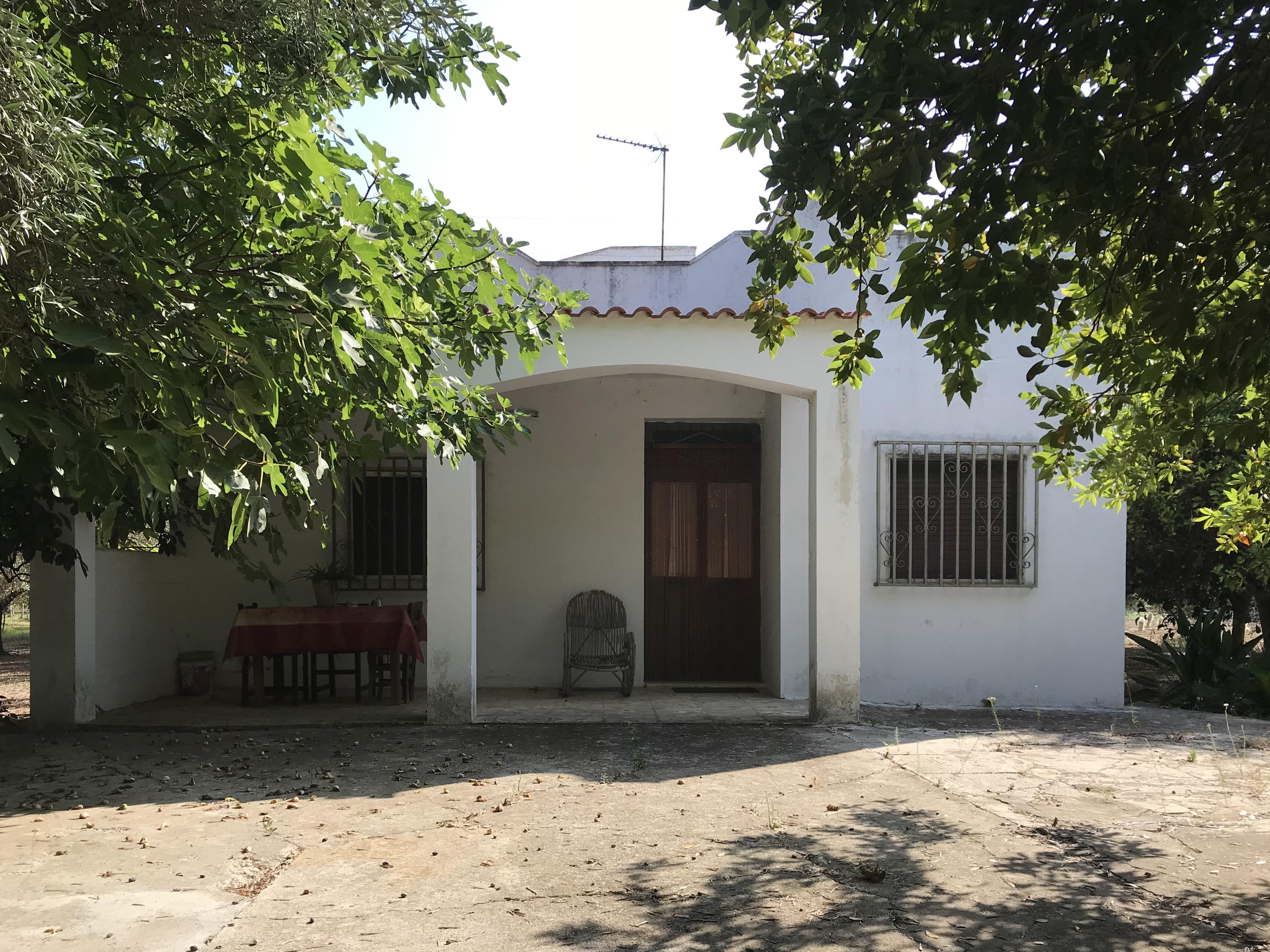 Casa di campagna vendita con terreno, da ristrutturare
