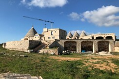 Masseria in vendita, ideale per bed and breakfast o agriturismo