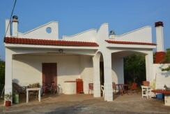 Casa di camapagna in vendita a Ceglie Messapica, con uliveto e frutteto, ottimo stato