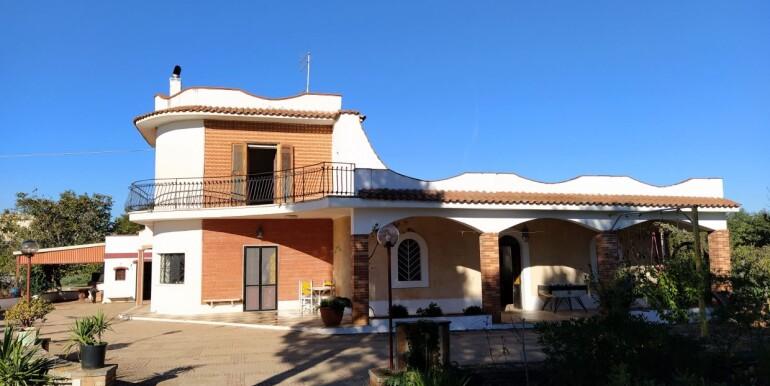 Villa in vendita Ceglie Messapica, Puglia, con pineta e giardino
